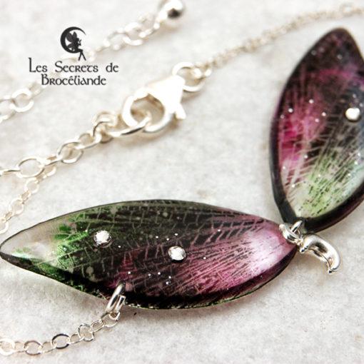 Bracelet de fée de couleur vert et rose en résine, monture en argent 925. Fabrication artisanale.
