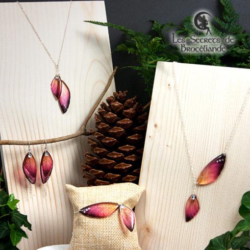 Bijoux ailes de fée de couleur prune et orange en résine, monture en argent 925. Fabrication artisanale.