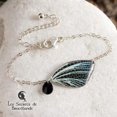 Bracelet féerique de couleur iridescente en résine, monture en argent 925. Fabrication artisanale.