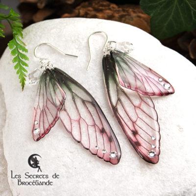 Boucles Brocéliande de couleur Rose et vert en résine, monture en argent 925. Fabrication artisanale.