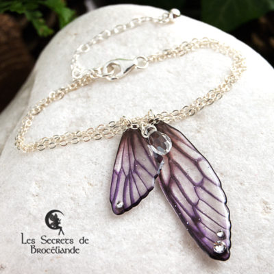 Bracelet Brocéliande de couleur violette en résine, monture en argent 925. Fabrication artisanale.