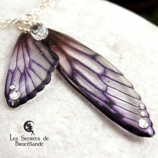 Collier 3 rangs Brocéliande de couleur violette en résine, monture en argent 925. Fabrication artisanale.