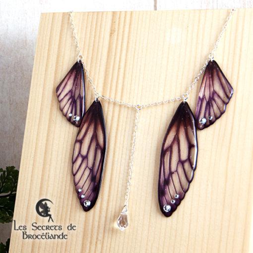 Collier plastron Brocéliande de couleur violette en résine, monture en argent 925. Fabrication artisanale.