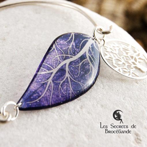 Bracelet Arbre de vie de couleur violette en résine, monture en argent 925. Fabrication artisanale.