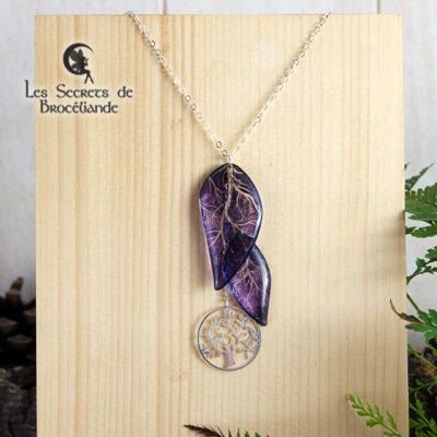 Collier ras-de-cou Arbre de vie de couleur violette en résine, monture en argent 925. Fabrication artisanale.