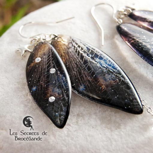Boucles de fée de couleur noire et bleu en résine, monture en argent 925. Fabrication artisanale.
