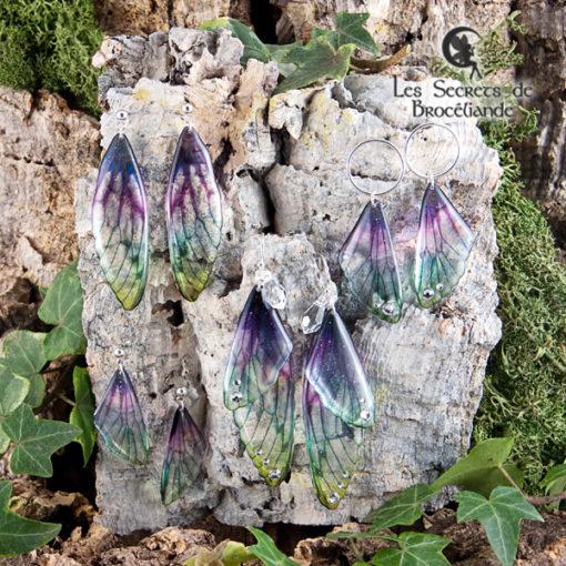 Boucles Brocéliande cercle de couleur plumes de paon en résine, monture en argent 925. Fabrication artisanale.