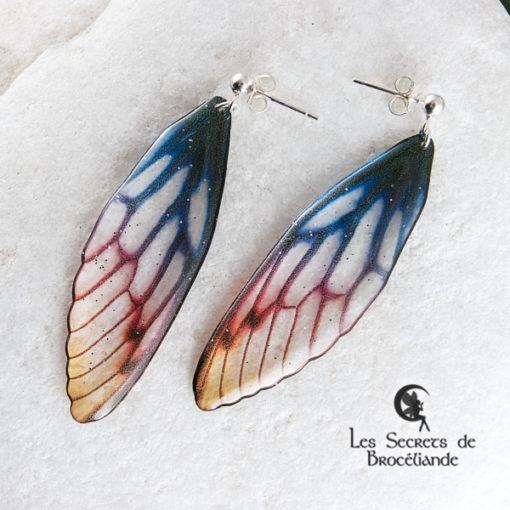Boucles Brocéliande clous de couleur aurore en résine, monture en argent 925. Fabrication artisanale.