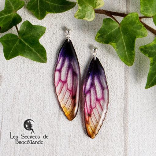 Boucles Brocéliande clous de couleur crépuscule en résine, monture en argent 925. Fabrication artisanale.