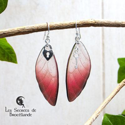 Boucles ailes de fée breloques de couleur rouge en résine, monture en argent 925. Fabrication artisanale.