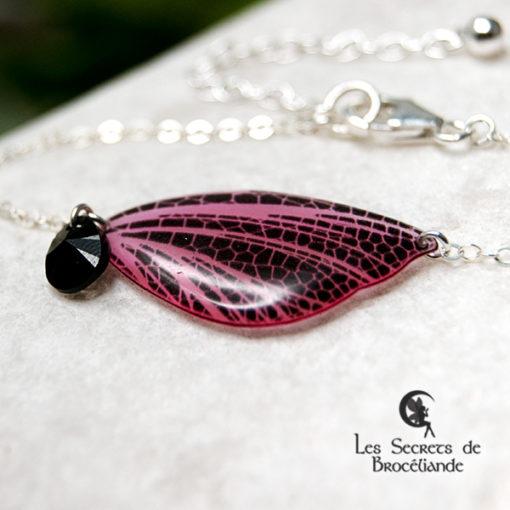 Bracelet féerique phosphorescent rose en résine, monture en argent 925. Fabrication artisanale.